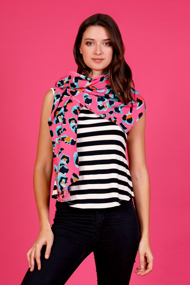 PINK LEO SCARF